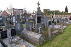 De vader van Oscar is overleden en het boek start direct van dat Oscar, zijn grootmoeder en zijn mama naar het kerkhof gaan om zijn vader te herdenken.