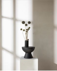"Kollekted by on Instagram: ""New in / the Charred vase designed by @gabrieltandesign / this and a lot more from the japanese brand, Origin made, in store. Image by…"" Flower Vases, Flower Art, Flower Arrangements, Metal Design, Flower Studio, Ceramics Projects, Pottery Mugs, Pots, Ceramic Clay"