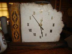 YUMBREL artesanias: Relojes en Pasta Piedra y madera Pasta Piedra, Toilet Paper Roll, Decoupage, Clock, Pottery, Crafts, Medicine, Recipes, Painted Mason Jars