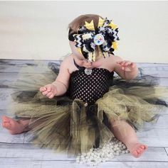 ITEM DETAILS: -This listing is for the Pittsburgh Steelers Black and Yellow One Piece Baby Tutu Dress with optional hair bow and headbnad-Hair Bow comes attached to alligat... #new #girlshairbows #bighairbows #overthetopbows #tutudresses #babyrompers ➡️ http://beautifulbowsboutique.com/products/pittsburgh-steelers-baby-tutu-dress-baby-shower-gift?utm_campaign=products&utm_content=17a1a913dc0848688d30acd8ab5556ff&utm_medium=pinterest&utm_source=sellertools