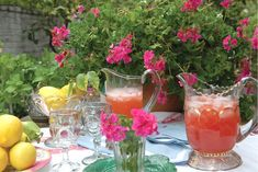 Time for an outdoor brunch on the patio of The Ivy...great people watching and beautiful surroundings