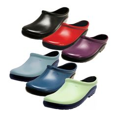 Sloggers Premium Clogs are ideal waterproof gardening shoes for outdoor work and all day comfort.