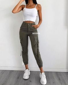 45 Impressive and Cute Summer Outfits Ideas to Try Now Cute Casual Outfits, Cute Summer Outfits, Simple Outfits, Stylish Outfits, Outfit Summer, Teen Fashion Outfits, Fashion Mode, Look Fashion, Fashion Hair