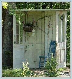 Zo'n hoekje zou ik graag willen in mijn tuin, love it!!