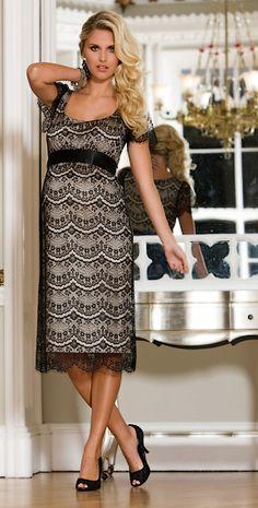 lacy maternal dress...yummy...