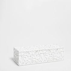 Zara Home  CAIXA DESENHO RELEVO ref. 46918099  29,99 €  11.5 x 29.5 x 9.0 cm