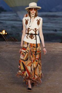 Christian Dior  #VogueRussia #resort #springsummer2018 #ChristianDior #VogueCollections