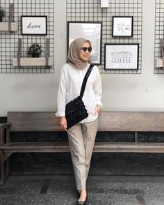 Saturday vibin' in tartan pants ♥️ Modern Hijab Fashion, Street Hijab Fashion, Hijab Fashion Inspiration, Muslim Fashion, Casual Hijab Outfit, Casual Outfits, Fashion Outfits, Ootd Hijab, Classy Outfits