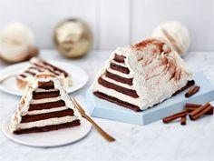 Täytekakun voi valmistaa hauskasti uuteen muotoon uunipellillä valmistuvasta kakkulevystä. Juhlavan kakun makumaailma luodaan luumulla ja kanelilla. Yummy Cakes, Vanilla Cake, Tiramisu, Food And Drink, Gluten Free, Baking, Ethnic Recipes, Sweet, Desserts
