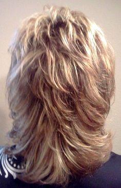 Razor cut layers Trends Ideen 2019 Medium Lenght Hair With Layers Cut Ideen Layers razor Trends Short Shag Hairstyles, Haircuts For Medium Hair, Medium Hair Cuts, Long Hair Cuts, Medium Hair Styles, Short Hair Styles, Layered Haircuts, Medium Layered Hairstyles, Long Curly Hair