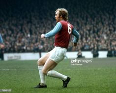 circa 1970 Bobby Moore West Ham United defender 19581973 who won 108 England international caps between 19621974 Bobby Moore, 1966 World Cup, Fa Cup Final, Football Players, Sport Football, Soccer, West Ham, Premier League, England International