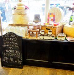 {   Paxton & Whitfield es la tienda de quesos más antigua de Londres. Está en una calle preciosa   }   #queso #Jermynst #londres