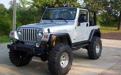 Jeep Rubicon, silver. Nice!