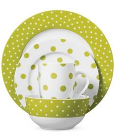 Polka Dot Lime Place Setting http://rstyle.me/~1oxsC