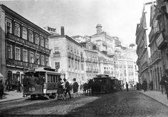 Largo do Conde-Barão, Lisboa 1900 With Electric & looks like horse drawn trams.