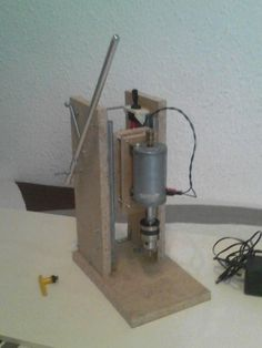 Picture of Mini drill press with dc motor Cool Tools, Diy Tools, Woodshop Tools, Dremel Tool, Drill Press, Homemade Tools, Woodworking Tools, Decoration, Projects To Try
