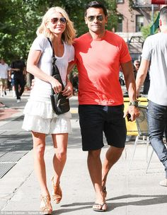 Kelly Ripa and husband Mark Consuelos