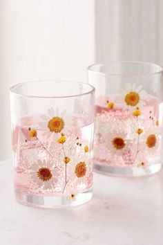 These  Pretty  Glassware pieces are ideal for your table scape. We love these glasses decorated with dried flowers — they make for a beautiful summer table setting