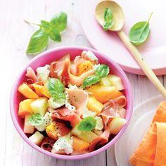 Meloensalade met rauwe ham, mozzarella en basilicum. #JumboSupermarkten #recept #salade