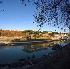 Tem uma ilha em Roma! :) . Lembre-se que nós organizamos o seu transfer do/para o aeroporto e também sua hospedagem! info@emroma.com .  Veja mais no Snapchat Em_Roma  #Roma #europe #instatravel #eurotrip #italia #italy #rome #trip #travelling #snapchat #emroma#viagem #dicas #ferias #dicasdeviagem #brasileirospelomundo #viajandopelomundo