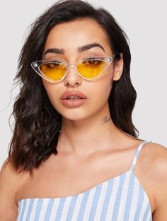 To find out about the Cat Eye Flat Lens Sunglasses at SHEIN, part of our latest Sunglasses ready to shop online today! Clear Sunglasses Frames, Round Lens Sunglasses, Cute Sunglasses, Sunglasses Online, Sunglass Frames, Sunglasses Accessories, Cat Eye Sunglasses, Mirrored Sunglasses, Sunglasses Women