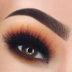 ¡Un buen #maquillaje de #ojos y lista para salir! #Eyes