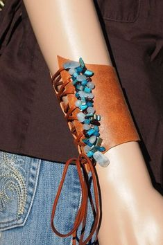 Jewerly bracelets leather projects 25 Ideas for 2019 Leather Art, Leather Gifts, Leather Design, Leather And Lace, Leather Fringe, Textile Jewelry, Fabric Jewelry, Beaded Jewelry, Handmade Jewelry