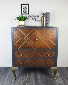 Similar can be commissioned: Refinished Oak drinks cabinet – Furniture and Door Decoration Refurbished Furniture, Upcycled Furniture, Dining Furniture, Furniture Projects, Rustic Furniture, Furniture Makeover, Home Furniture, Furniture Design, Vintage Furniture