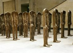 Magdalena Abakanowicz THIRTY BACKWARDS STANDING  1993/4, burlap, resin  each ca 165 x 63 x 33 cm  collection of the artist
