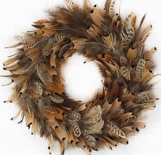 Get Your Nice Ringneck Pheasant Feather Wreath at SmileyMe! Feather Wreath, Antler Wreath, Feather Crafts, Feather Art, Farm Crafts, Decor Crafts, Diy Wreath, Ornament Wreath, Wreath Ideas