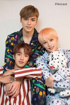 "Seventeen Jeonghan, DK & Vernon for ASMR ""While mom was sleeping"" Wonwoo, Woozi, Seungkwan, Carat Seventeen, Seventeen Debut, Day6 Sungjin, Oppa Gangnam Style, Hip Hop, Vernon Seventeen"