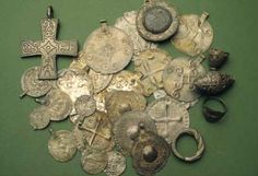 Treasure finds from the Iron Age coins and jewelry. Photo: National Board of Antiquities / Ritva Bäckman