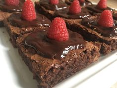 Lavkarbo brownies - Himmelsk seig og god! - Elisabeth Holm Lchf, Keto, Allrecipes, Brownies, Nom Nom, Healthy Recipes, Healthy Food, Food And Drink, Sweets
