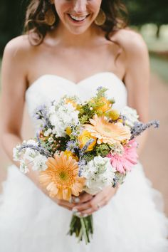 spring wedding bouquet, photo by Q Avenue Photo http://ruffledblog.com/travellers-rest-nashville-wedding #flowers #weddingbouquet