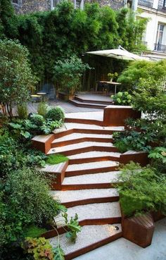 17 Trendige Landschaftsgestaltung Backyard Hill Outdoor Steps You are in the right place about Lands Backyard Hill Landscaping, Modern Landscaping, Landscaping Ideas, Terraced Backyard, Landscape Stairs, Garden Landscape Design, Sloped Landscape, Landscape Architecture, Sloped Yard
