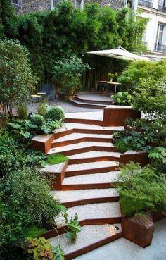 17 Trendige Landschaftsgestaltung Backyard Hill Outdoor Steps You are in the right place about Lands Backyard Hill Landscaping, Modern Landscaping, Landscaping Ideas, Terraced Backyard, Landscape Stairs, Garden Landscape Design, Sloped Landscape, Hillside Garden, Garden Paths