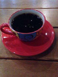 CoffeeHaru's Vietnam Drip Coffee   드립커피의 부드러운 바디감과 함께 스모키한 맛이 일품이네. 연하게 드립한거라는데 꽤많이 스모키한 맛이다. 씁슬함이 생각날때 마셔야겠다.