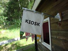 KLOCKARBARN: Flagga för lek och stuga