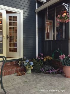 Kathleen Holmes' Dollhouse back patio
