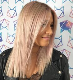 50 Right Hairstyles for Thin Hair to Opt for in 2020 – Hair Adviser Long Straight Pastel Pink Razor Cut Thin Straight Hair, Haircuts Straight Hair, Short Thin Hair, Thin Hairstyles, Mid Length Straight Hair, Layered Haircuts, Latest Hairstyles, Summer Hairstyles, Wedding Hairstyles