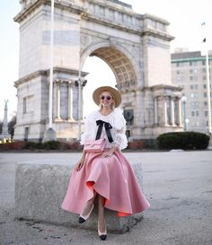 """283 curtidas, 11 comentários - Blair Eadie / Atlantic-Pacific (@blaireadiebee) no Instagram: """"<pink, tulle & Chanel // now on the blog!> http://liketk.it/2qS8t #liketkit @liketoknow.it…"""""""