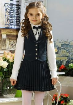 Plum Flower Girl Dresses, Cute Girl Dresses, Pretty Dresses, Preteen Girls Fashion, Little Girl Fashion, Chic Outfits, Kids Outfits, Fashion Outfits, School Fashion