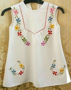 So cute Vintage childs dress, would suit slender adult as boho/peasant/ hippy/festival top! Embroidery On Kurtis, Kurti Embroidery Design, Hand Embroidery Dress, Embroidery On Clothes, Baby Girl Dress Patterns, Little Girl Dresses, Girls Dresses, Kids Dress Wear, Frock Fashion