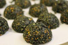 Raw spirulina energy balls