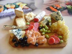 Etsy の Dollshouse food 12th scale antipasti platter by MoonBijoux