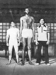 Bruce Lee, Kareem Abdul-Jabbar, unknown actor in Game of Death 1978.