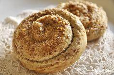 Στριφτάρια με ταχίνι / Cinnamon swirls