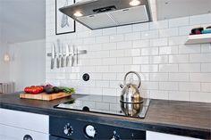 Me encanta este estilo de cocina con el panel que funciona como hornallas bien tecnológico y moderno, sin complicaciones para prender el fuego como en las hornallas convencionales...