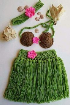 Hula Skirt - Girls Hula Skirt - Hula Girl - Hula girl costume - Newborn Crochet Outfit - Baby's First Pictures - Hawaiian Hula Girl - women Life ideas Crochet Skirt Pattern, Crochet Shawl, Knit Crochet, Crochet Girls, Crochet Baby Clothes, Crochet For Kids, Newborn Crochet Outfits, Baby Girl Skirts, Crochet Baby Dresses