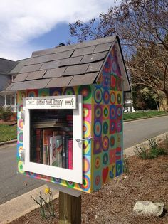 The Little Free Library - Salem, USA simple and useful!